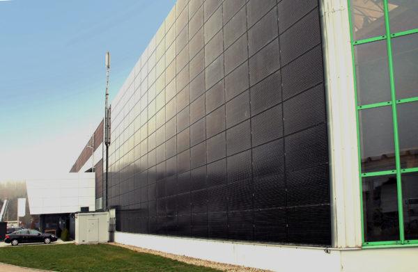 Erneuerbare Energien durch die Fassade bei der Mayer Gruppe in Heidenheim