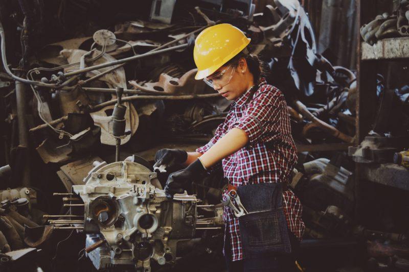 Gewerbliche Arbeitnehmer arbeiten hart.