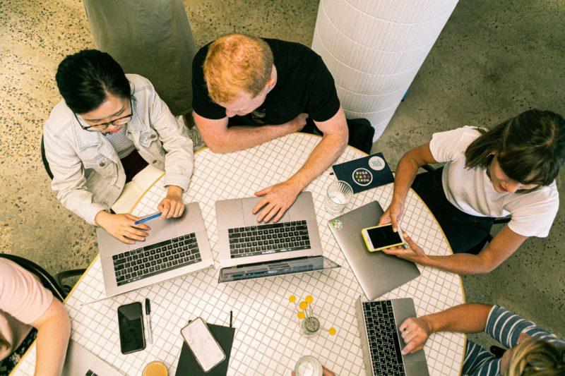 junge Arbeitnehmer - Digitalisierung