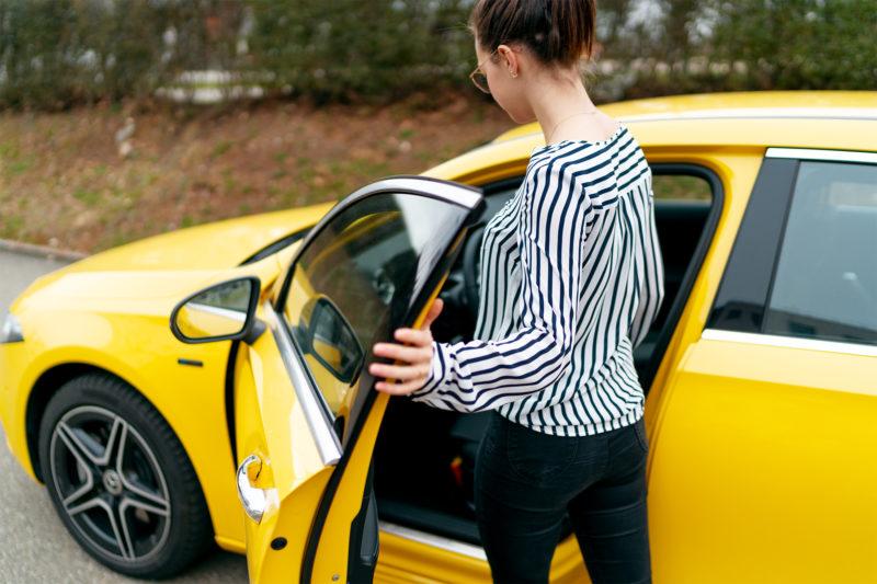 Frauen mögen Autos