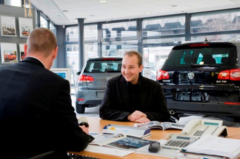 Stationären Autoverkauf schnell wieder erlauben